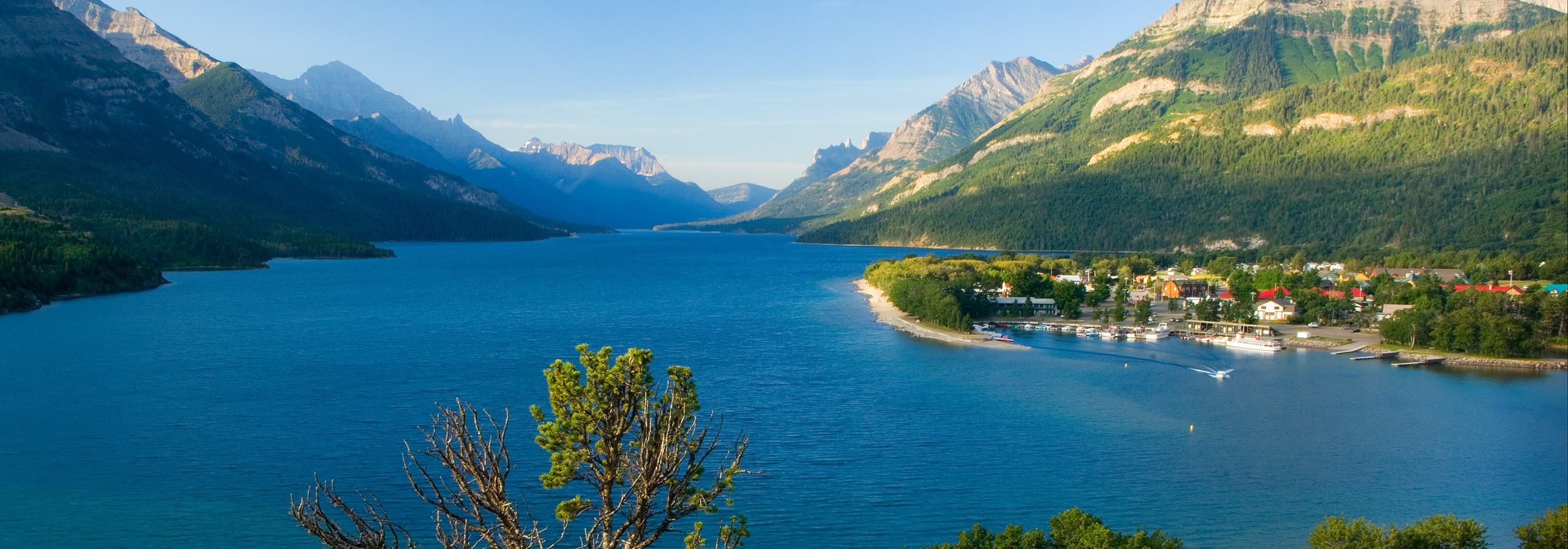 Waterton-Hotels-Waterton-Lake-and-Prince-of-Wales-Alberta-Canada-Reberdeen